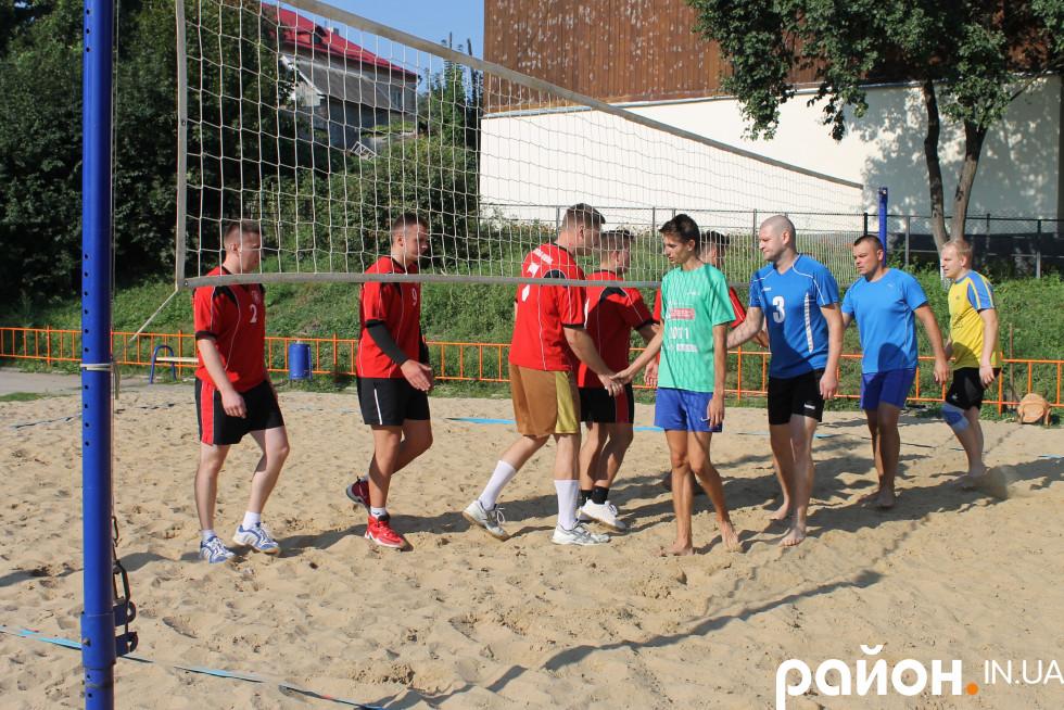 ostrog-parkovii-voleibol-202009.jpg (320.17 Kb)